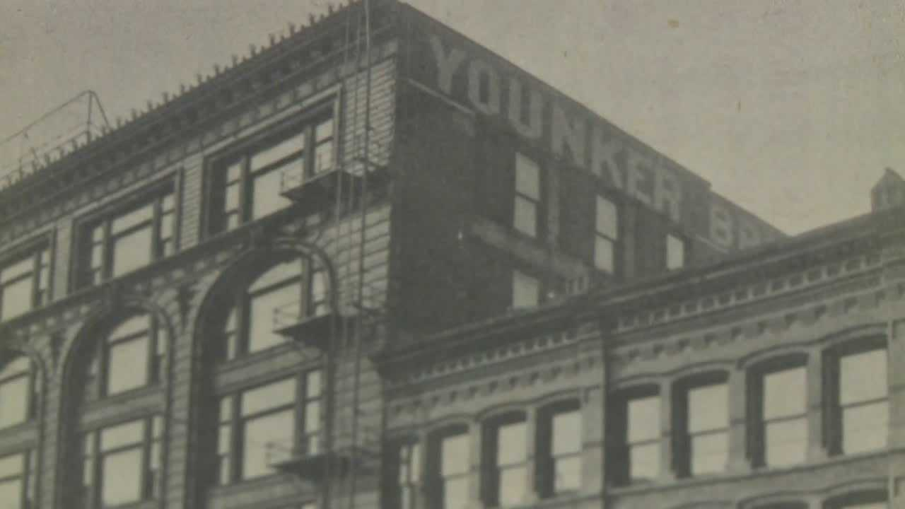 Iowans remember Younkers building