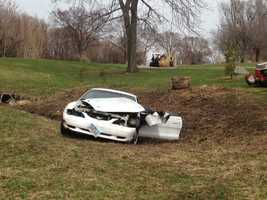 Officers chase car onto golf course and the driver takes off on foot, police pursue.