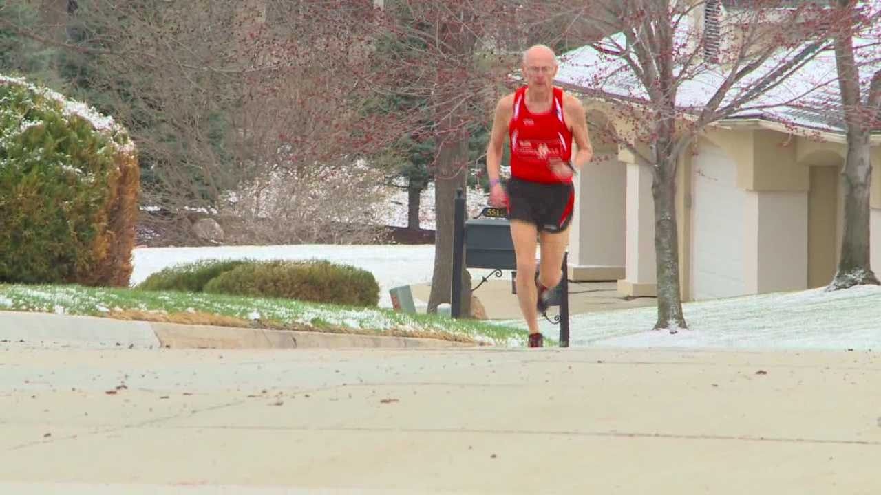 img-70-year-old runner won t let age slow him down
