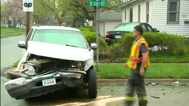 Car vs SUV crash in Des Moines