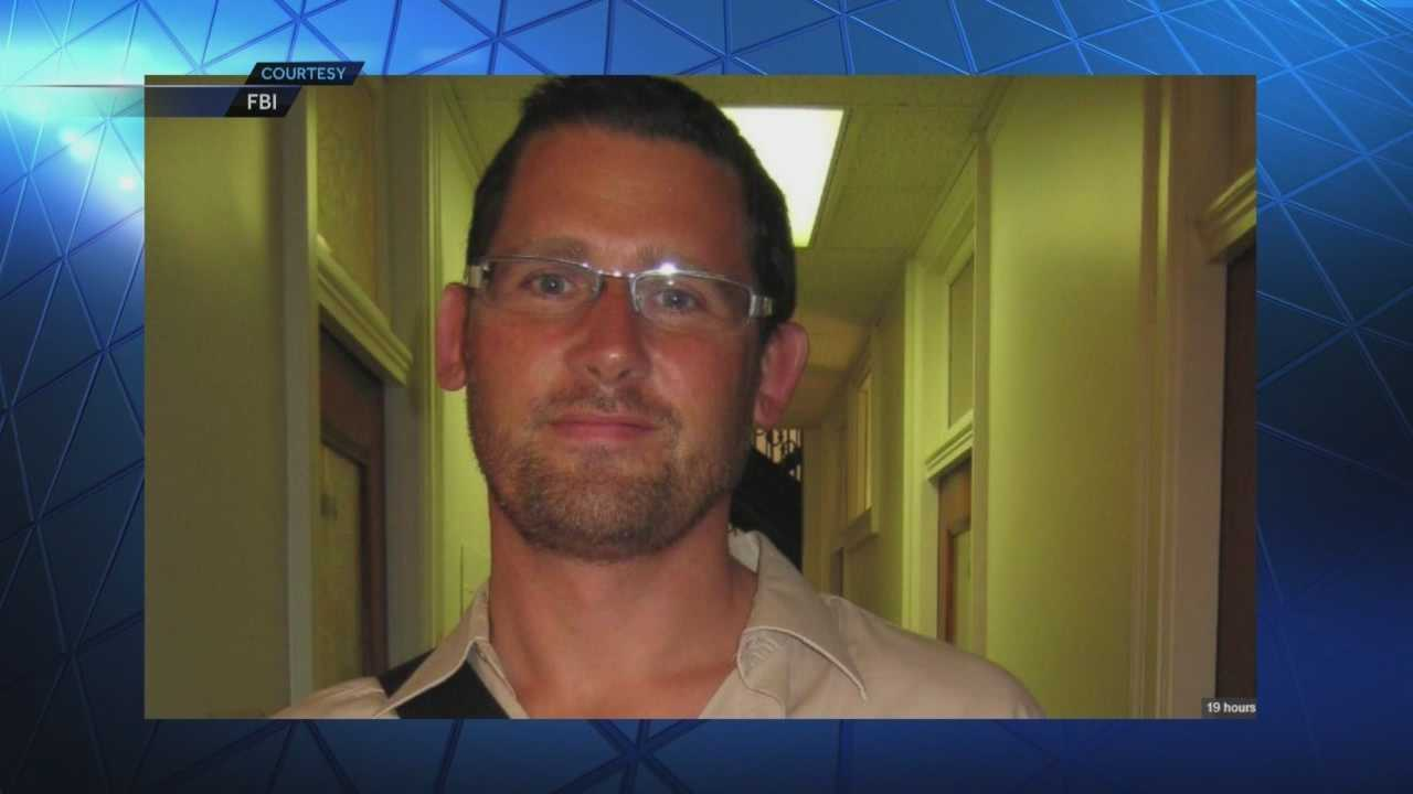 Former Iowan sought in FBI explosives investigation