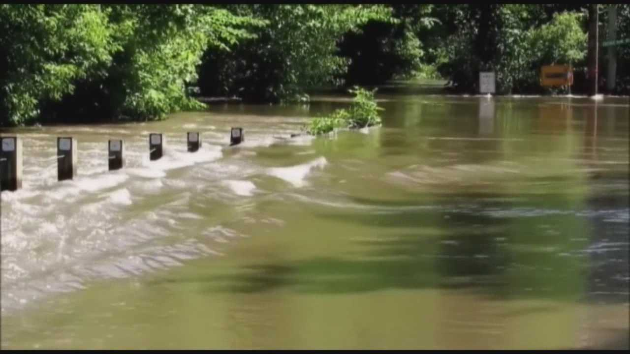 City crews in eastern Iowa are preparing for Cedar River flooding after heavy rains in the area.