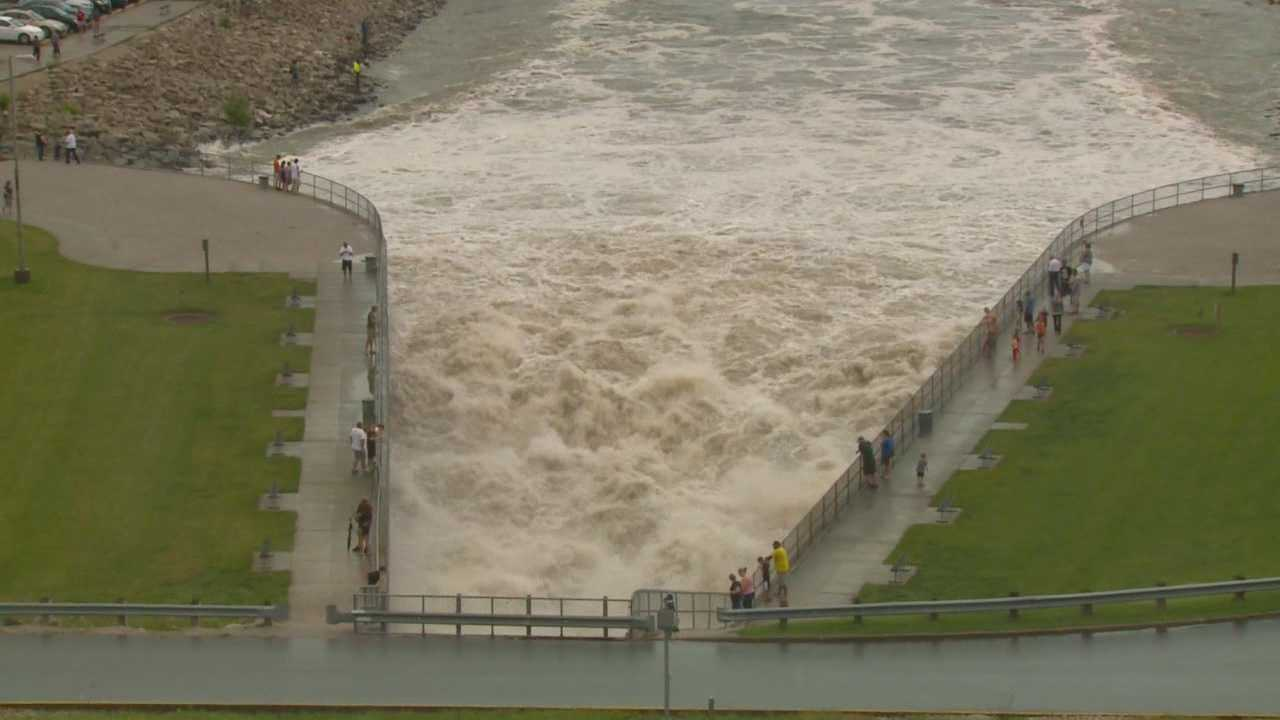 The Saylorville Reservoir continues to rise, and the dam is releasing more water that is heading down the Des Moines River.