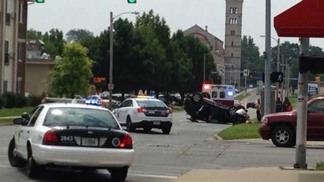 Rollover crash in Des Moines