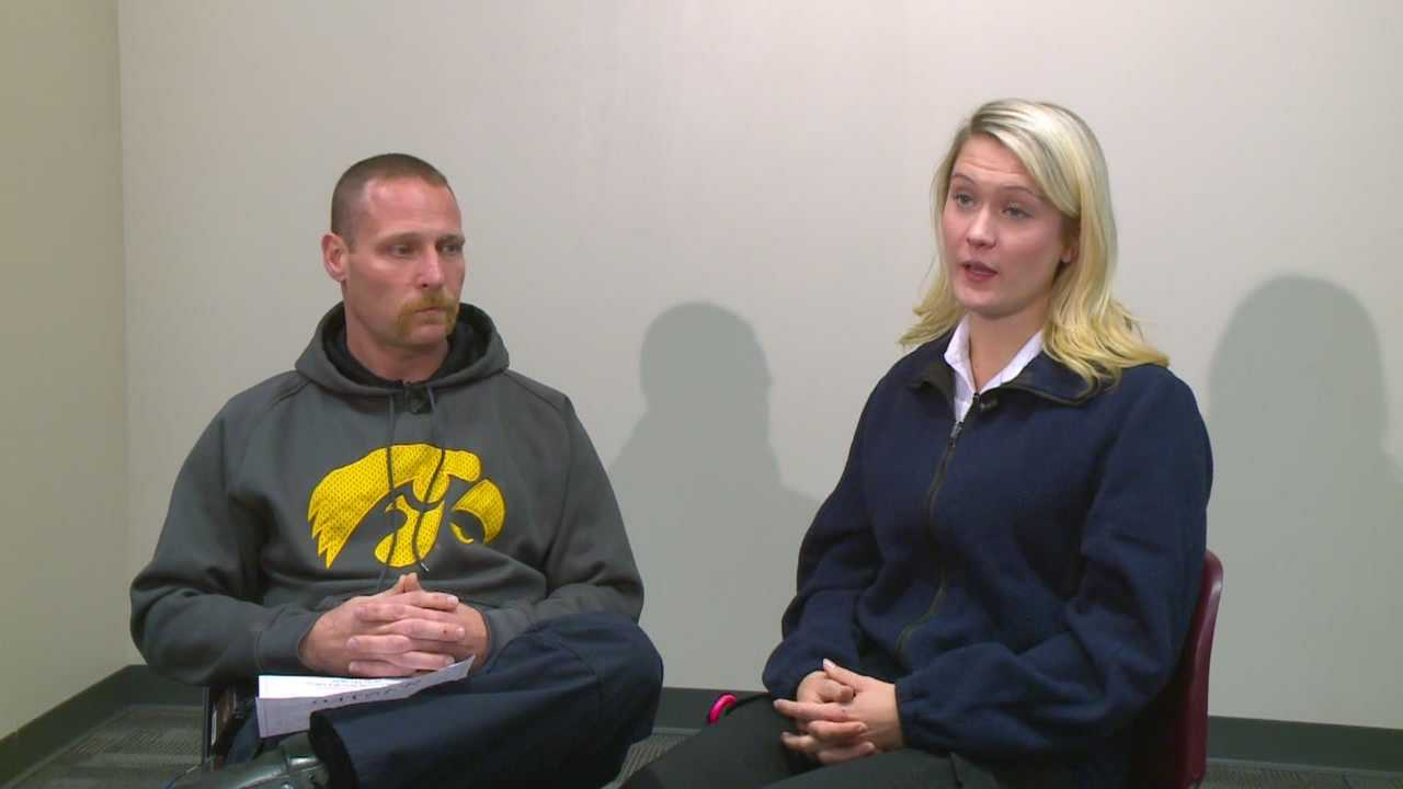 An Iowa couple helped police catch a man wanted on 17 warrants.