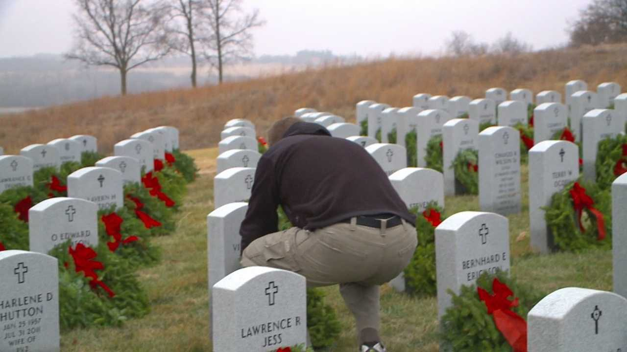 Over a thousand Iowa veterans were honored Saturday morning during a special ceremony part of the Wreaths Across America campaign.