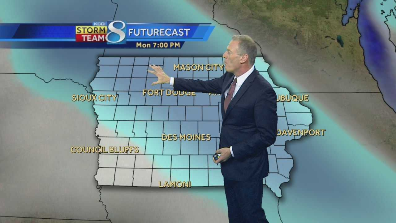KCCI 8 News at Ten Saturday forecast.