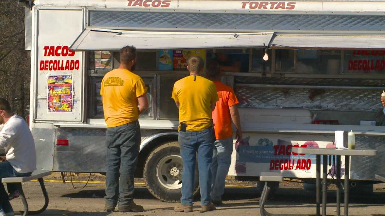 After a unanimous City Council vote, food trucks will now be operating under a pilot program in downtown Des Moines.