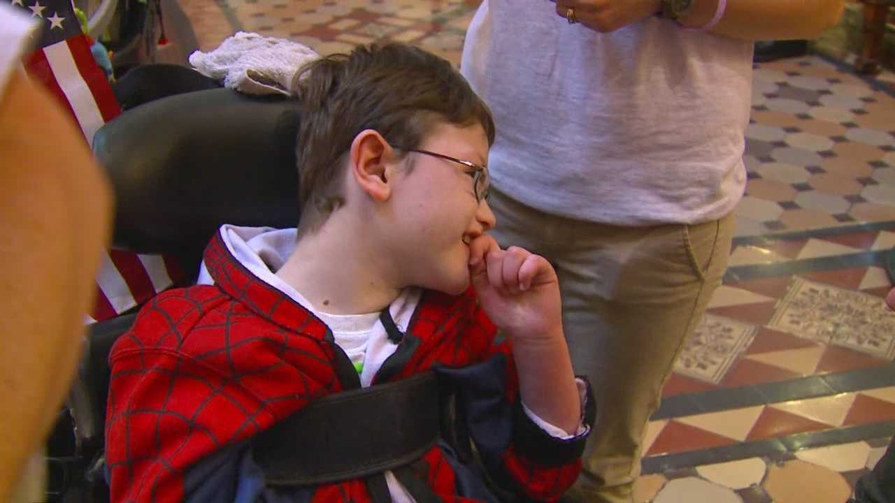 In the final hours of the session last year, the Legislature made it legal to possess cannabis oil in Iowa for patients with severe epilepsy, but no one has figured out how to legally get it.