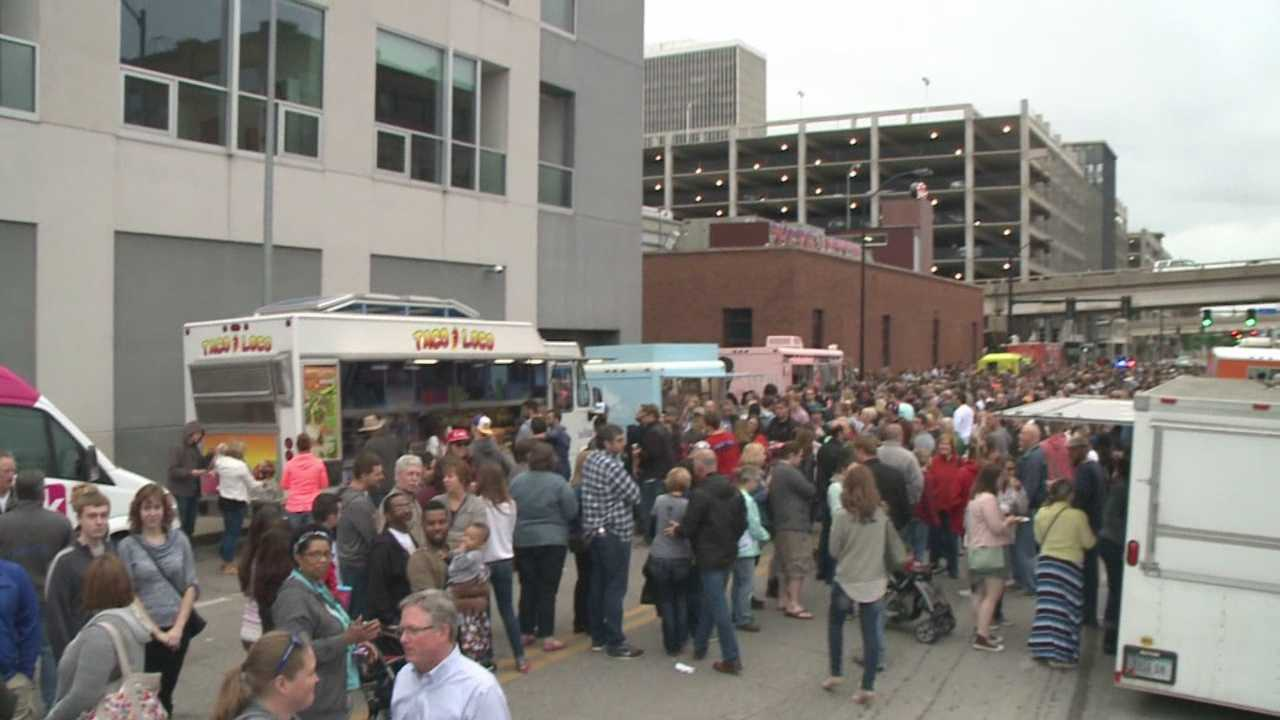 Organizers held the Beverage Food Truck Throw Down outside the Des Moines Social Club Saturday, where 12 food trucks lined the streets to feed thousands.