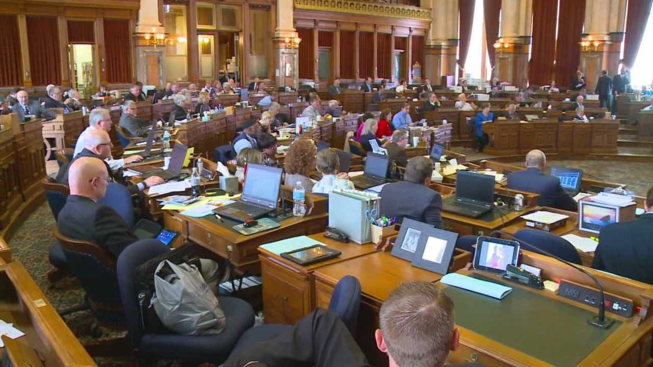 Legislators tried to wrap up the 2015 session by passing funding bills.