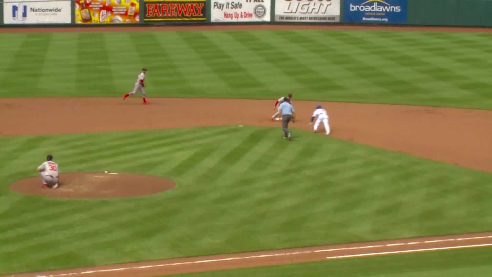Here's the play Javy Baez wishes he could take back.