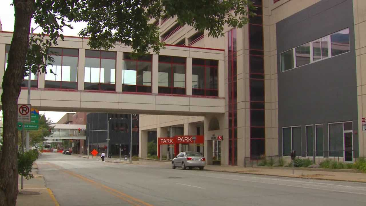 Commercial realtors and Des Moines leaders are trying to change the number of open spaces in downtown skywalks.
