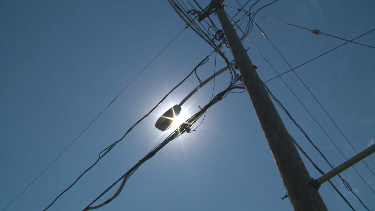 MidAmerican Energy said it will convert more than 1,000 streetlights in Iowa to LED lights.