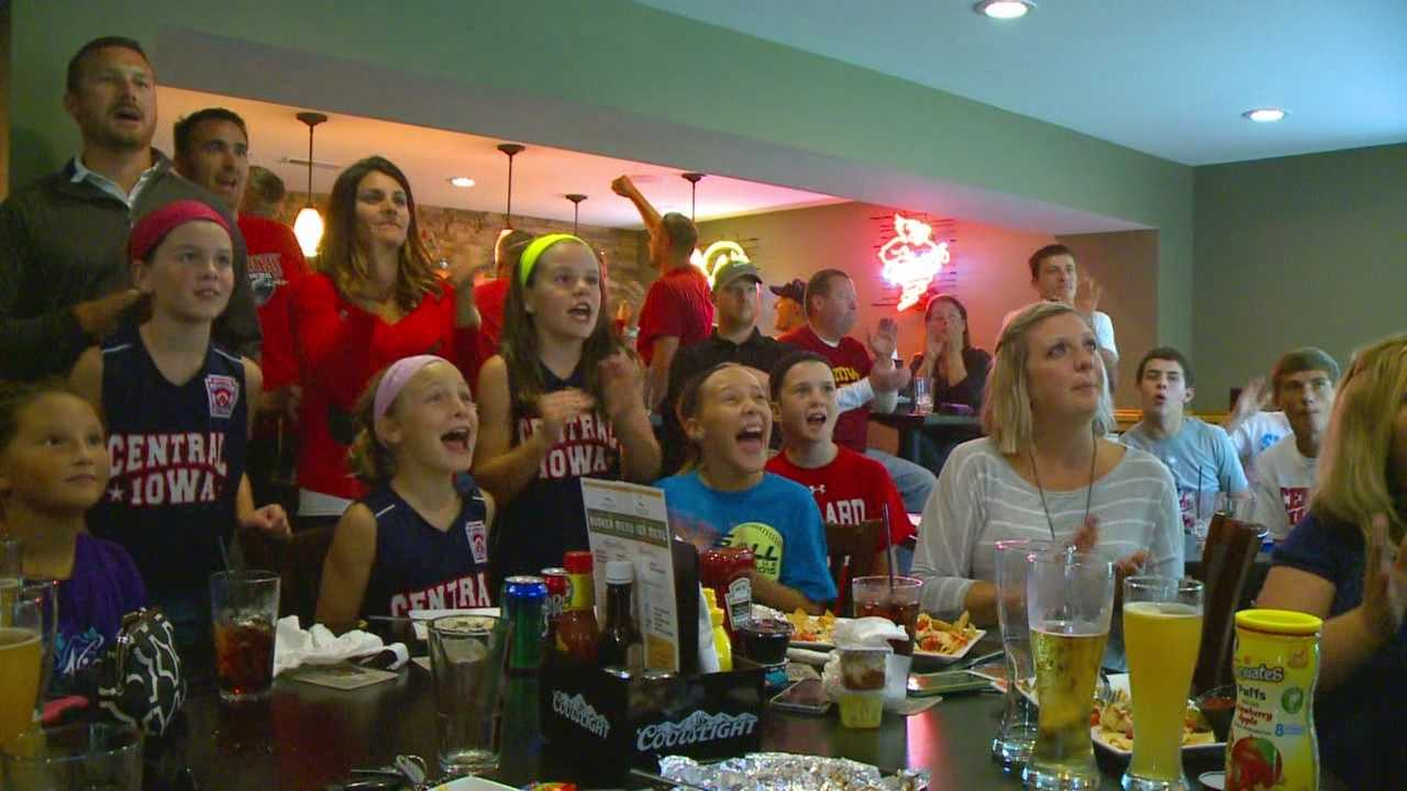 About 1,500 miles away, hundreds of fans here in Huxley with their eyes glued to ESPN 2 rallying behind the hometown team Tuesday night.