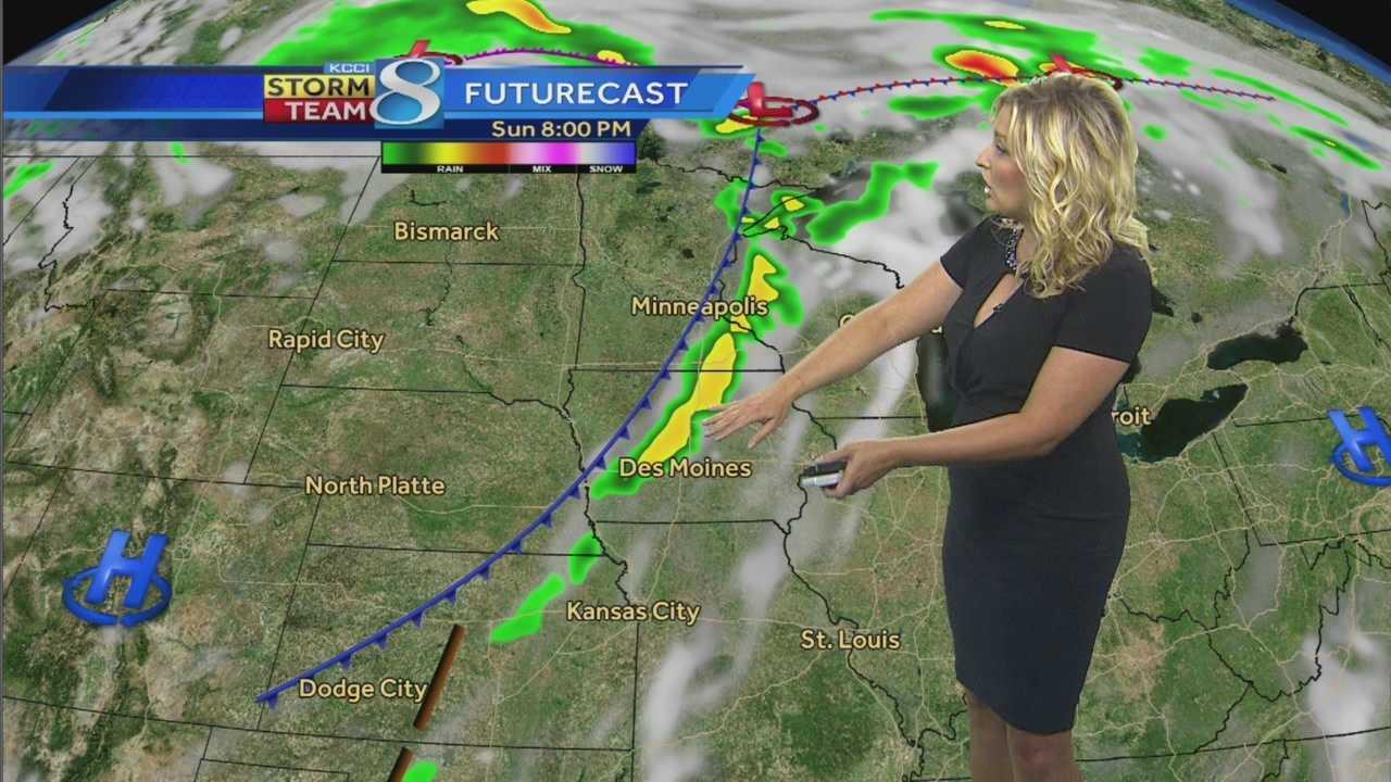 KCCI 8 Meteorologist Metinka Slater's forecast for Iowa.