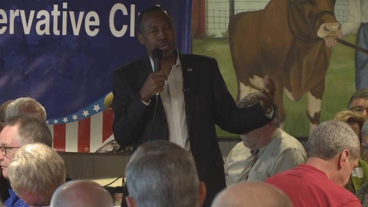 A new poll shows retired neurosurgeon Ben Carson leading Donald Trump by 14 points in Iowa.
