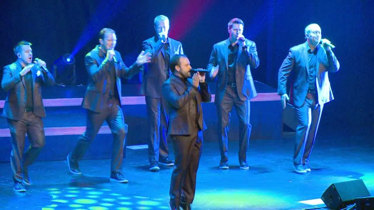 After catching their break off a viral video in 2006, a capella group Straight No Chaser was in Des Moines on Wednesday, a hometown return for one if its members.