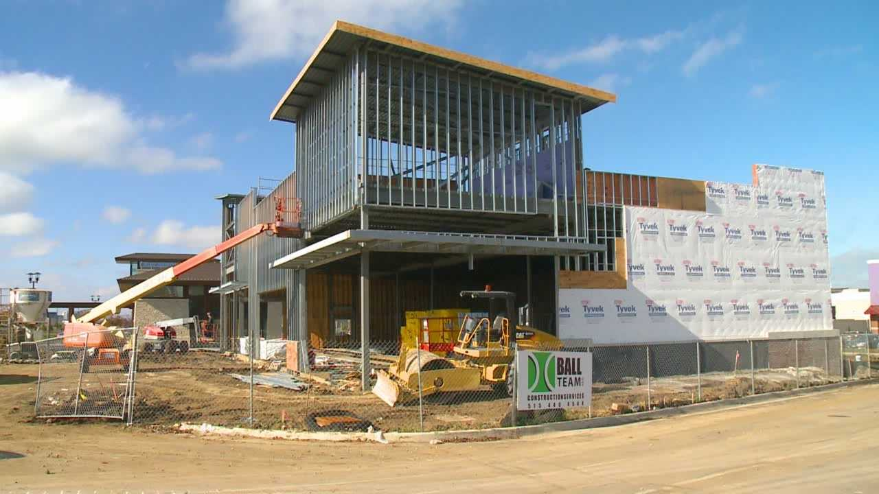 With new construction projects popping up in West Des Moines, experts say it's a sign of a booming economy.