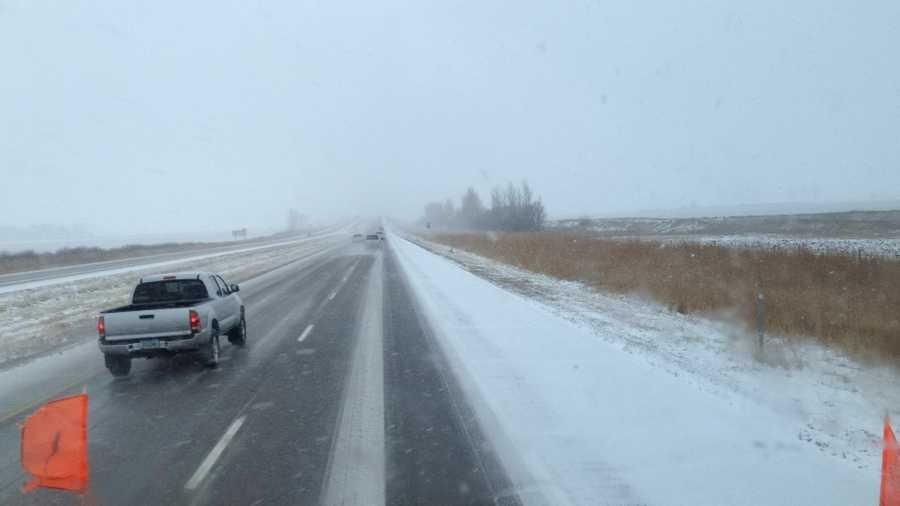 2:20 p.m. Interstate 35 at Highway 20 snow plow camera