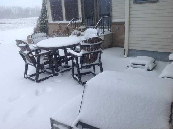 2:40 p.m. 3 inches reported in 3 hours in the town of Meservey