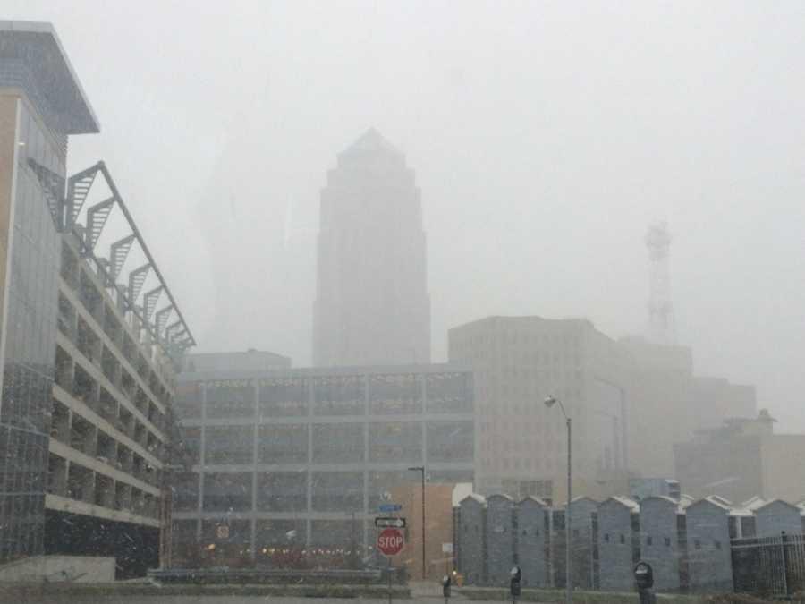3:10 p.m. snow reaches downtown Des Moines