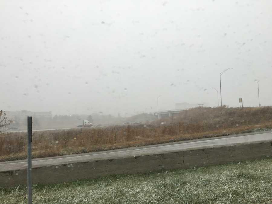 3pm snow in West Des Moines