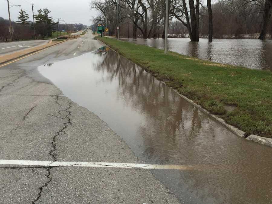 Flooding along Fleur Drive in Des Moines