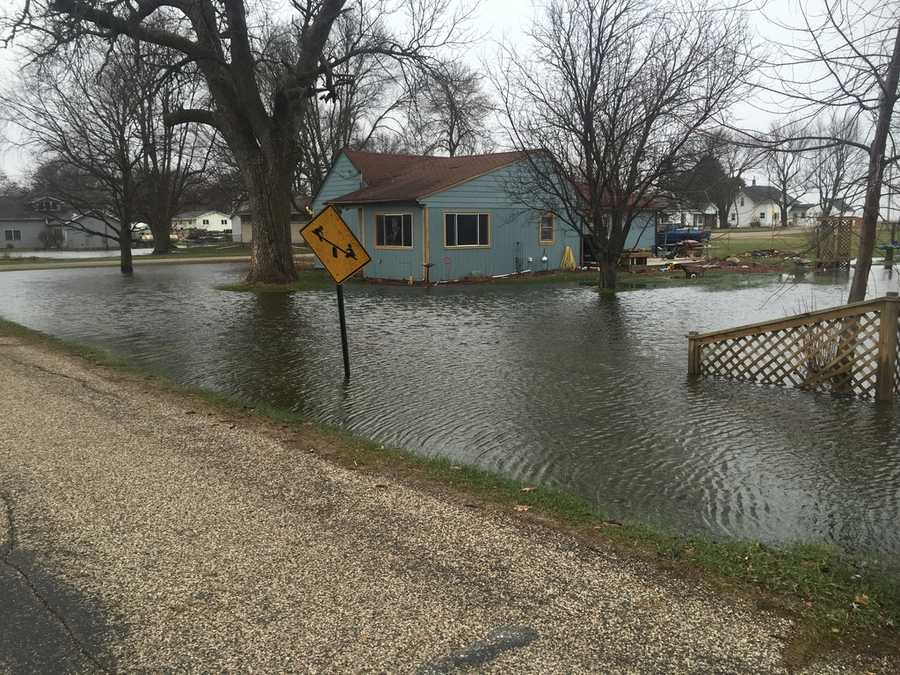 Flooding in town of Luther