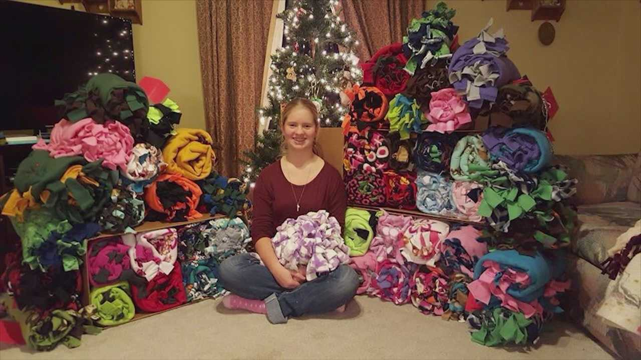 An Algona teen, who was born prematurely, is giving back to the hospital that saved her life.