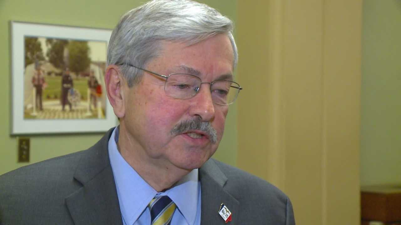 Iowa Gov. Terry Branstad says Iowans shouldn't let Texas Sen. Ted Cruz win his state's lead-off caucus.