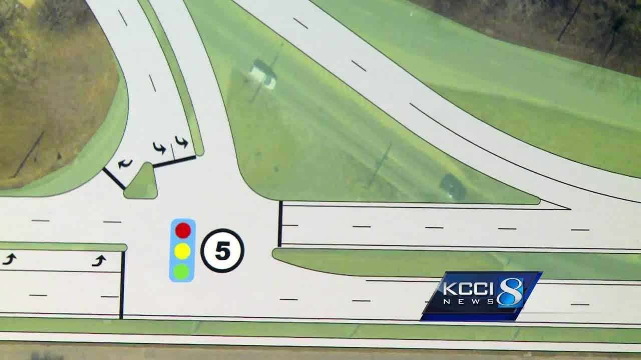 Traffic engineers with the city of Des Moines unveiled plans Tuesday night to fix a deadly east side road.