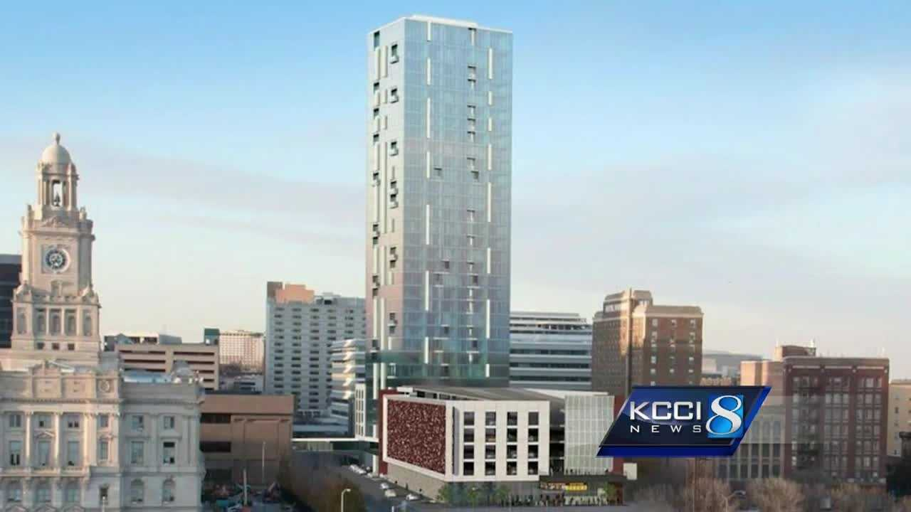 A $100 million, 32-story building will replace the parking garage on 5th and Walnut streets in downtown Des Moines.