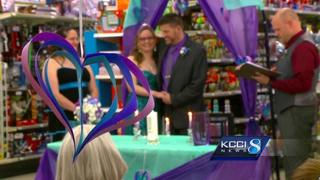 couple gets married at kmart
