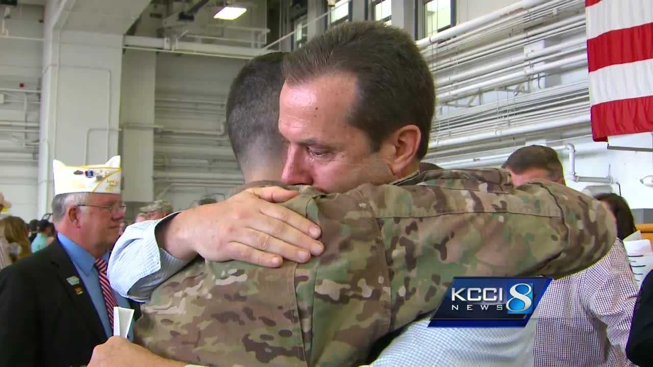 Iowa National Guard soldiers say goodbye