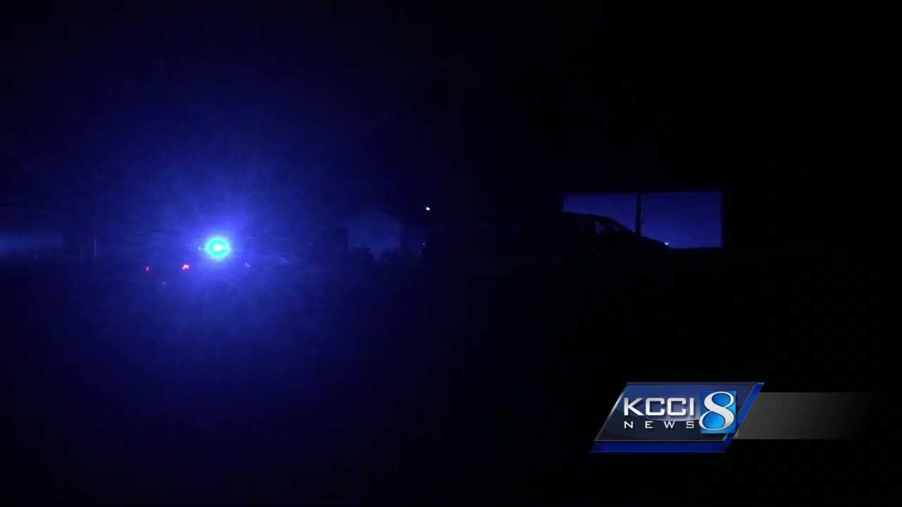 Des Moines police are investigating an overnight shooting that injured one person.