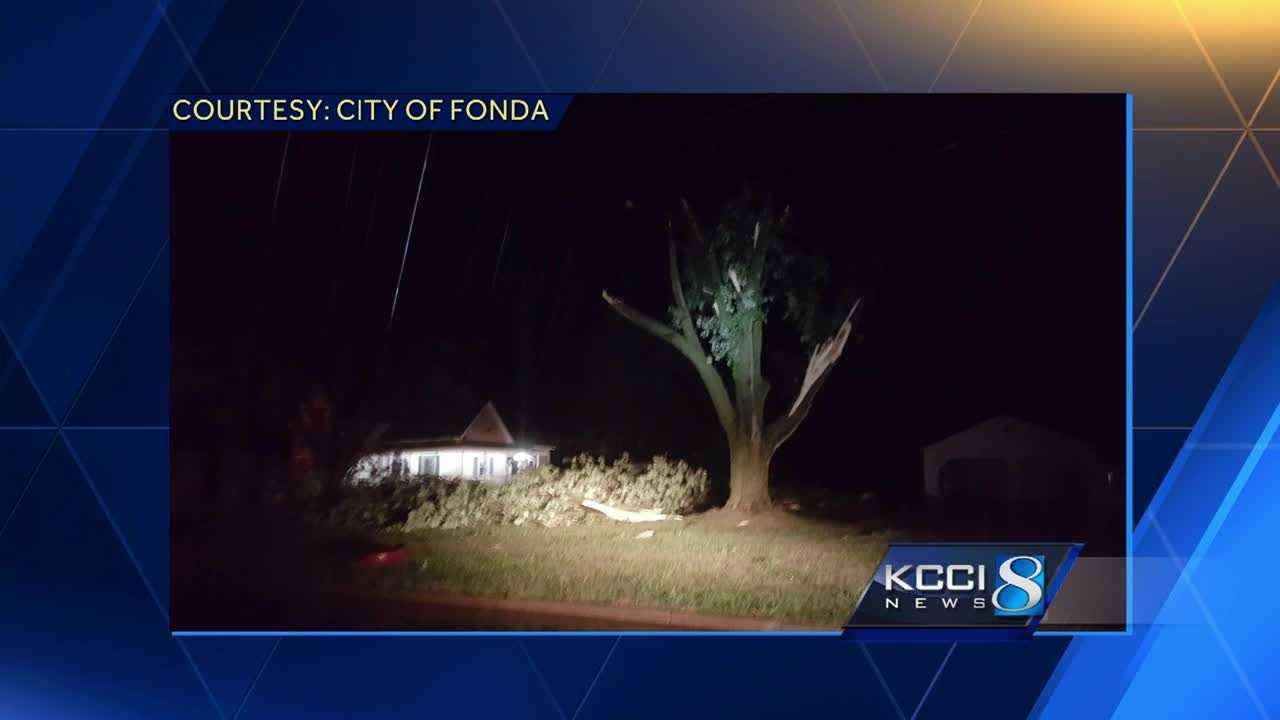 Strong winds knocked down tree limbs and caused roof damage early Thursday as thunderstorms moved across the state.