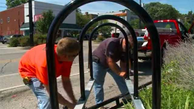 New bike racks being added on Ingersoll Avenue in Des Moines.