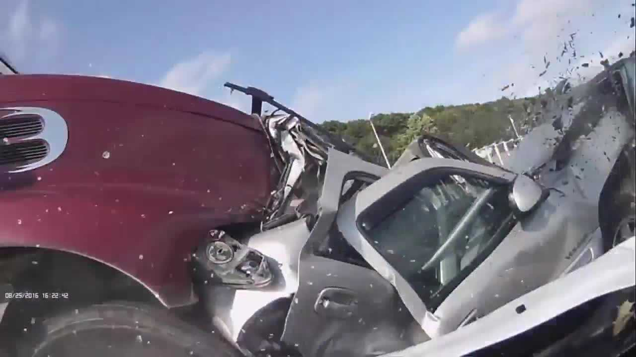 Everyone walked away from the 10-vehicle highway crash in Binghamton, New York, thanks to bystanders who didn't wait for first responders to reach the scene.
