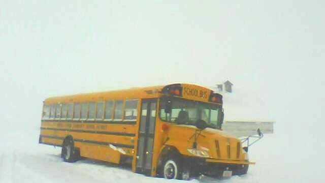 Storm school bus in snow ulocal - 22171418