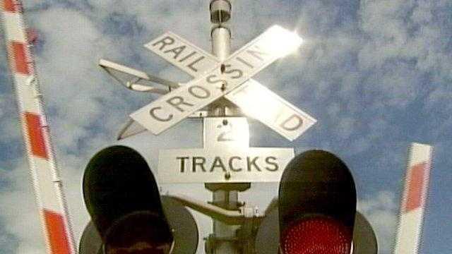 Train crossing generic - 21092467