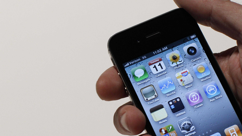 Toilet texting - iPhone (1)