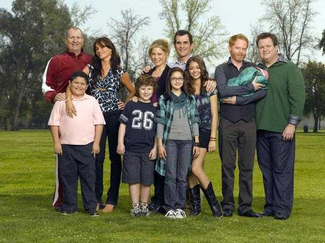 "Gloria Delgado-Pritchitt and Claire Dunphy, ""Modern Family"""