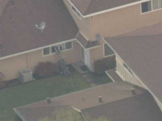 5:30 p.m.: Two robots break through window blinds. At 5:45 p.m., robots break through windows&#x3B; there is still no response from suspect inside the home.