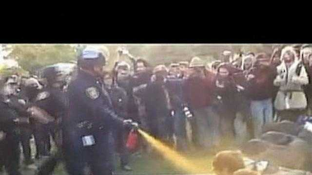 Student Group Votes To Condemn UCD Pepper Spray Incident - 29831818
