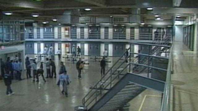 CALIFORNIA PRISONS SCOTUS - 25946229
