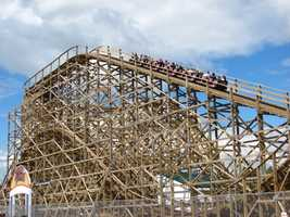 Bay Beach Amusement Park - municipal amusement park in Green Bay, WIThere is no admission charge and parking is free. Ride tickets are $.25 each, with the rides requiring one or two tickets per rider.