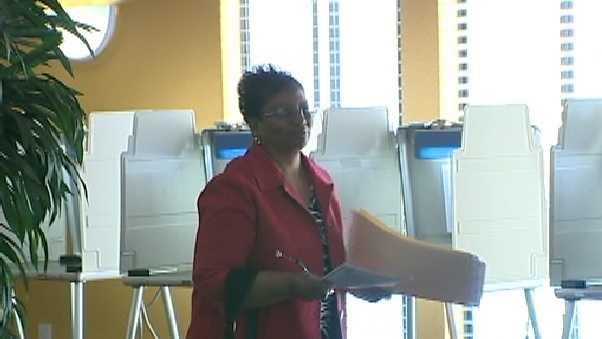 Councilwoman Bonnie Pannell votes Tuesday.