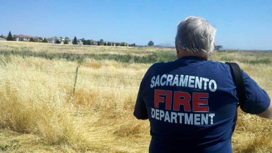 Wind sparked a multiacre fire near the Sacramento International Airport on Monday.