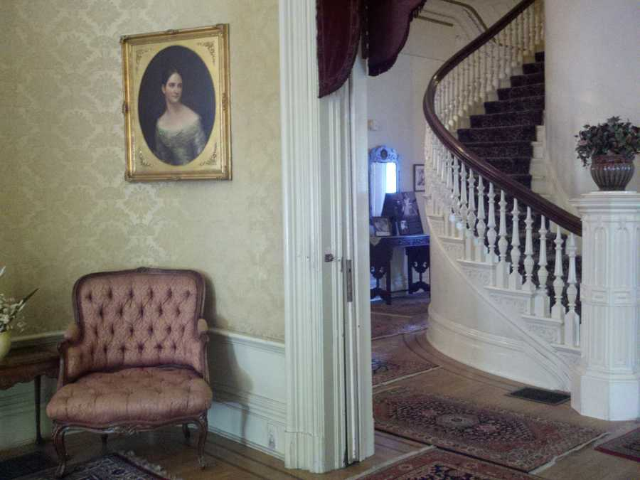 Inside the Governor's Mansion in midtown Sacramento (Jorge Velasquez/ KCRA).